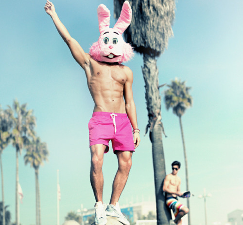 Neon-fluorescent-pink-shorts-bunny-hat-abs