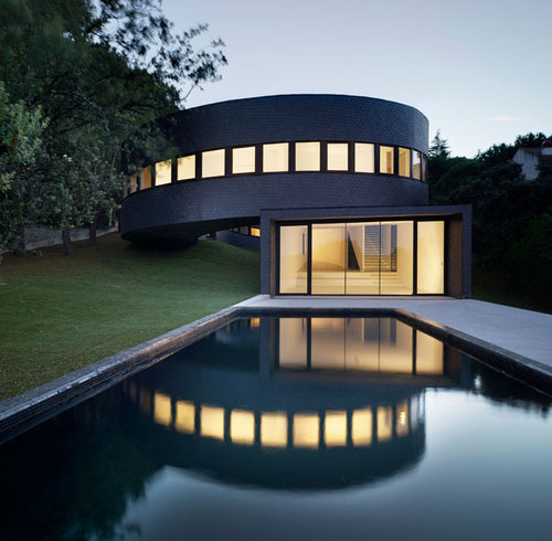 style-save-us-pool-house