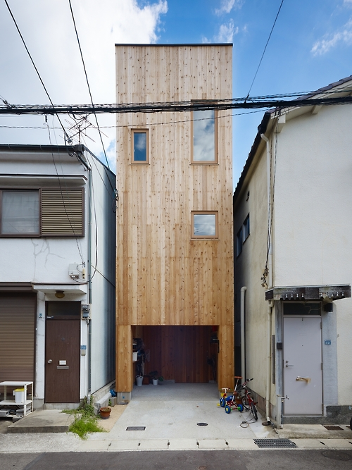 style-save-us-tall-wooden