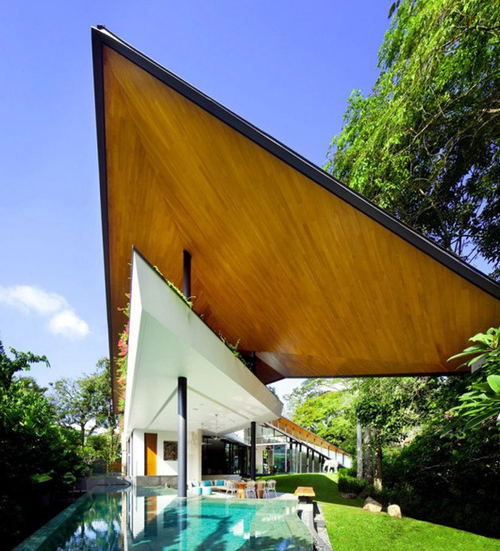 style-save-us-triangle-house