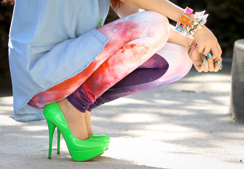 style-save-us-green-heels